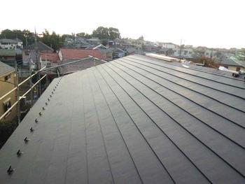 以前の状態が思い出せないほど綺麗な屋根に生まれ変わりました。