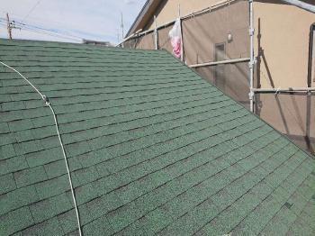 自然石の風合い美しいアスファルトシングル屋根でスタイリッシュに、外壁もシリコン樹脂塗料で耐久性が向上しました!