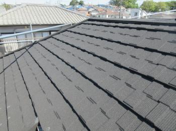 メンテナンスフリーの軽量屋根を使用しカバー工事を行い、防水性も耐久性も向上、住みやすくなりました!