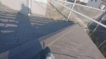 重量のある瓦屋根から軽量な屋根材セネターへの葺き替えリフォームで、大切なお宅を地震から守ります!