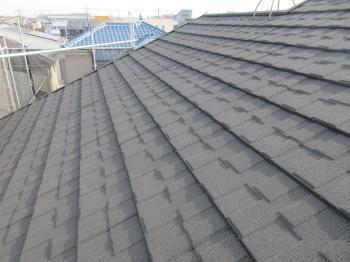 アスベストを含むスレート屋根材を軽量屋根材に葺き替えしました!