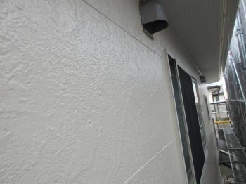 高耐久のフッ素樹脂塗料による屋根リフォーム、外壁サイディングもシリコン樹脂塗料でキレイに塗装されました!